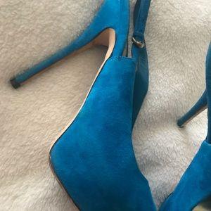 Gucci Shoes - Gucci Sophia peep toe sling backs size worn twice